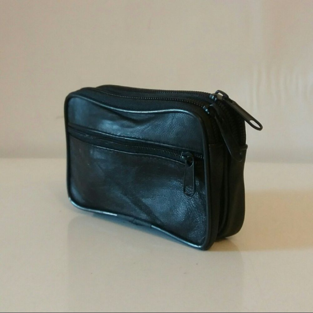 Kozna torba za kais T577